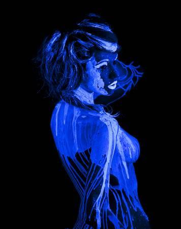 28206264-body-art-glowing-in-ultraviolet-light